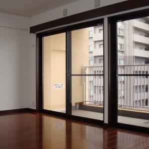 2F・洋室(12.5畳)①