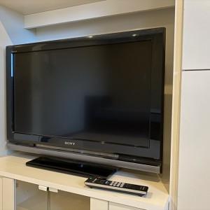 テレビは32インチです。(内装)